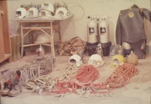 Preparativi dell'esplorazione sub della Grotta del Leone e Buca dei Ladri (PI), foto di archivio.