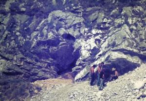 L'ingresso originario della grotta, foto archivio GSAL.